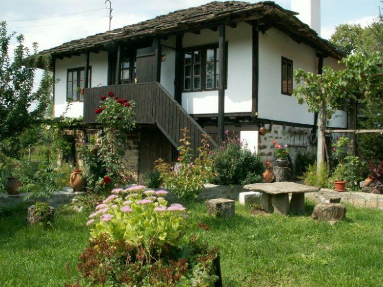 На село – За възхода на Българското село