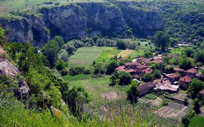 Фолклорни области в България