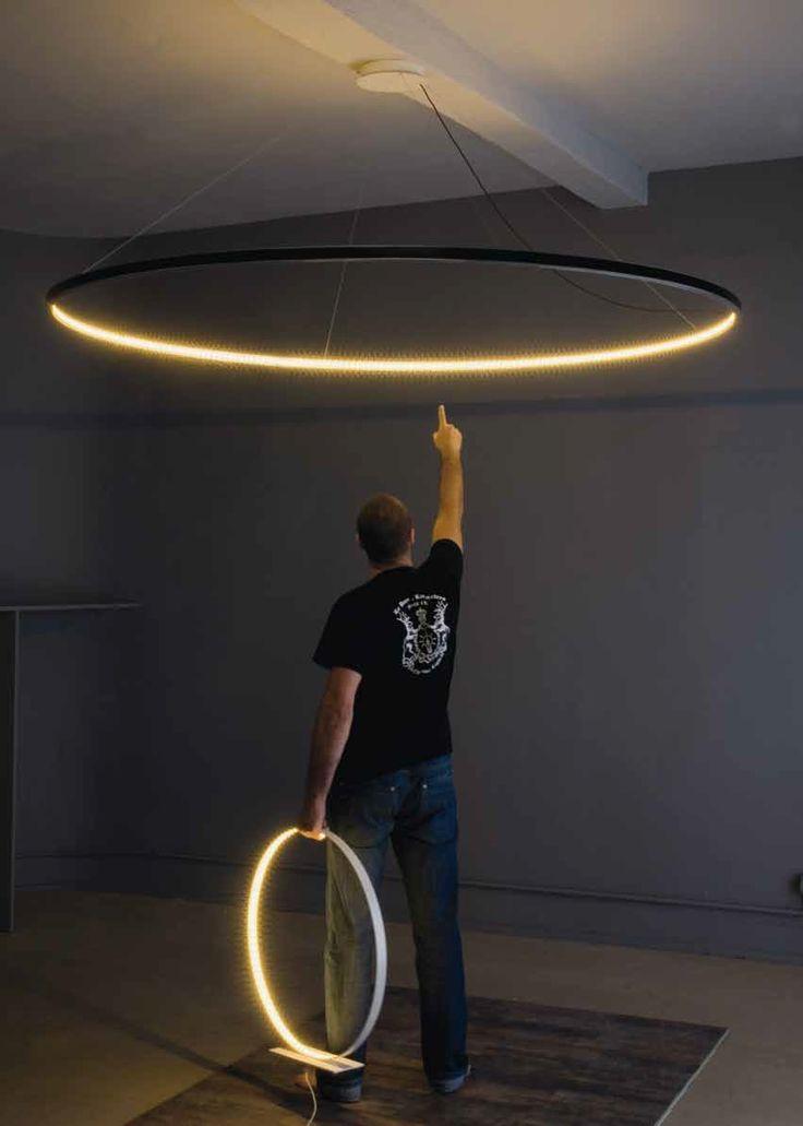 Лампа Омега от Ле Деан