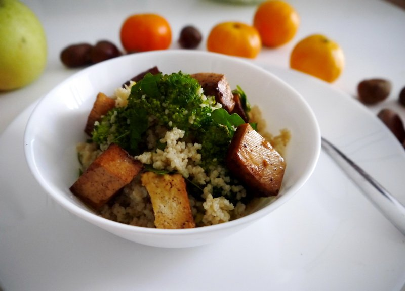Arabic couscous with broccoli and marinated tofu cubes