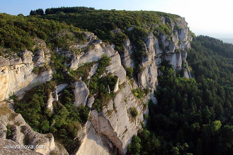 Гледки от платото и Мадарската крепост