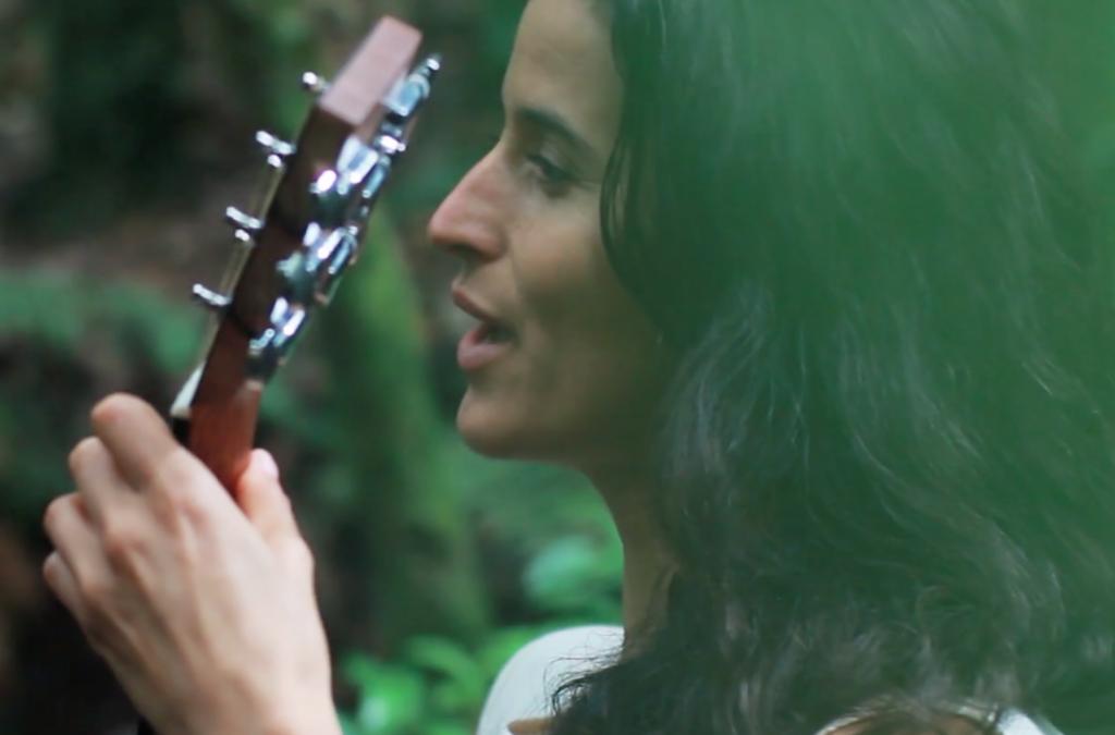 """Туи Мамаки с видео към новата си песен """"Риуака"""" / премиера – 17-ти септември"""