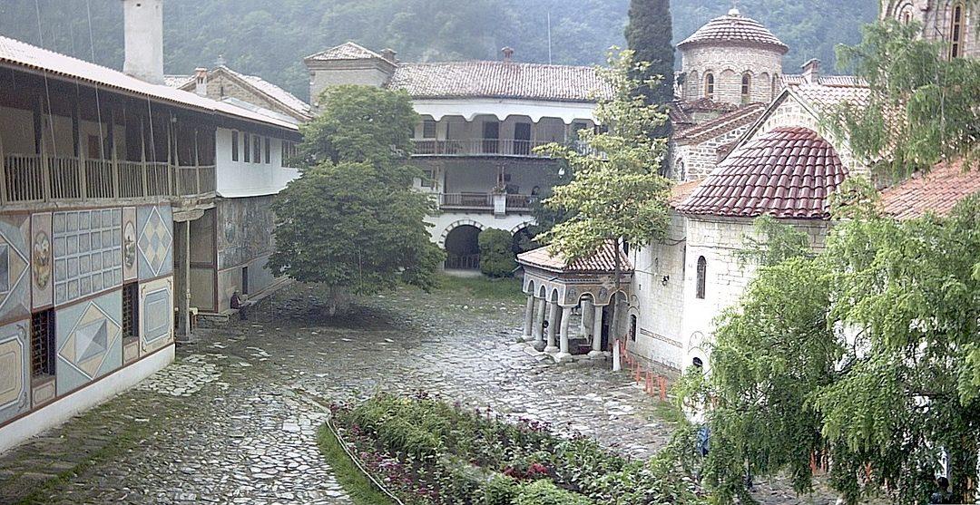 Костницата на Бачковския манастир – бисер на средновековната архитектура в България