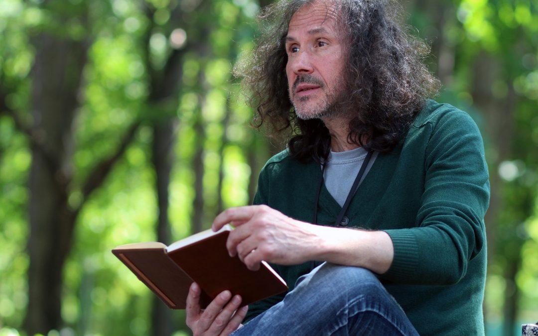"""Интервю с писателя Петър Чухов: """"Отвъдността на един текст е това, което ме привлича – и като читател, и като автор"""""""
