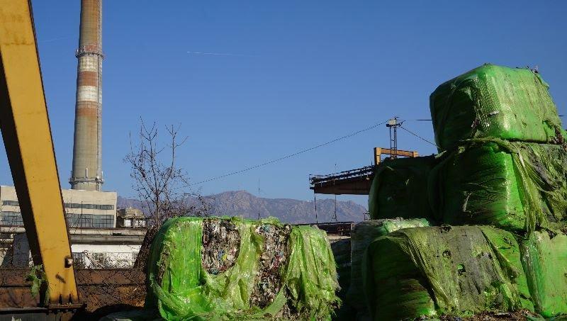 """Изгарянето на хиляди тонове отпадъци от ТЕЦ """"Бобов дол"""" трови населението"""
